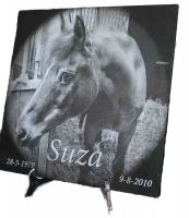 Lasergravure - art.nr. 5564 Paard in zwart marmer 30cm x 30cm